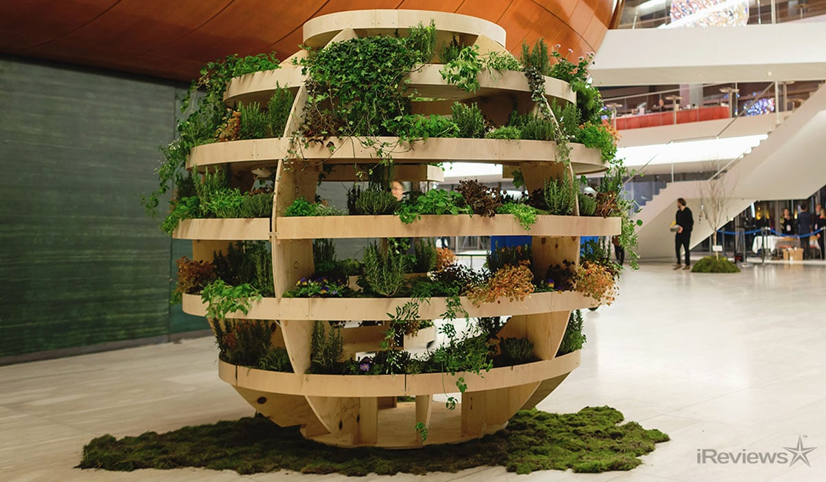 Vertical Garden Towers Fighting Pollution in China | iReviews News