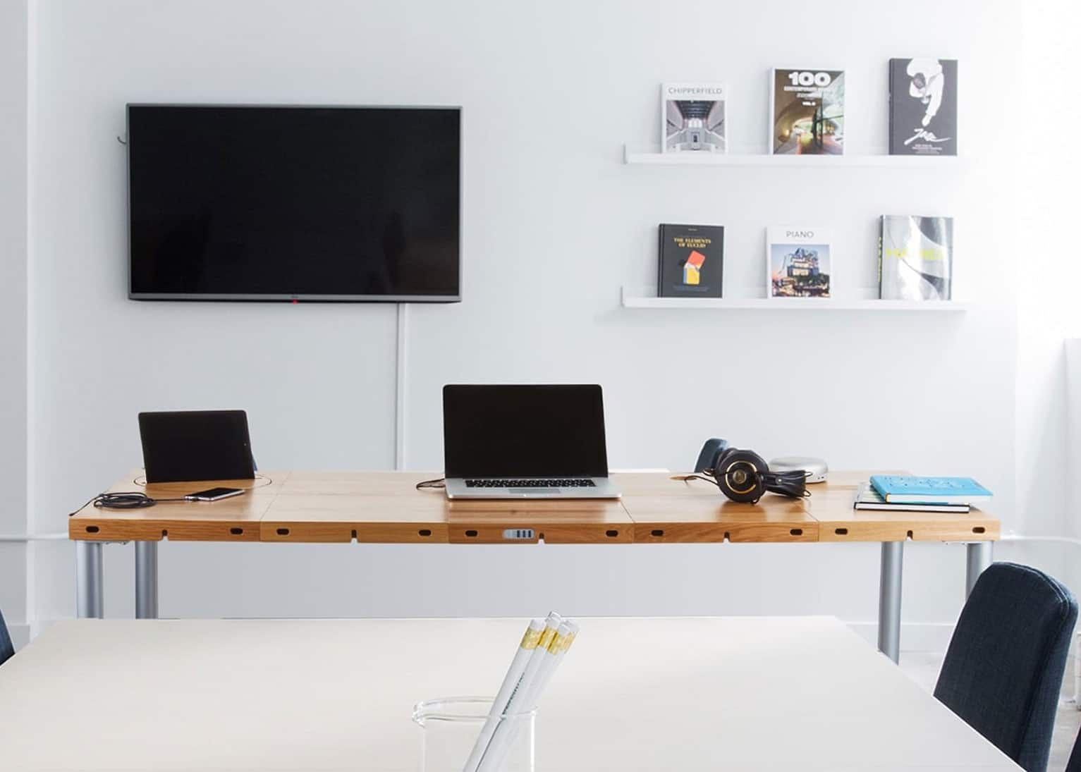 The Ever-Changing Modular Desk by Modulos | iReviews